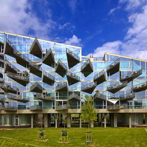 پاورپوینت جامع و کامل تحلیل مجتمع مسکونی VM کپنهاگ دانمارک